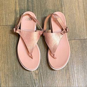 NEW Sofft Cushion Copper Leather Thong Sandal 9.5